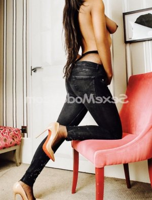 Marie-germaine escort massage sexy à Émerainville 77