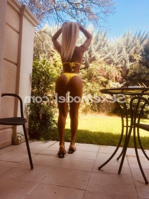 Sophea escorte girl massage